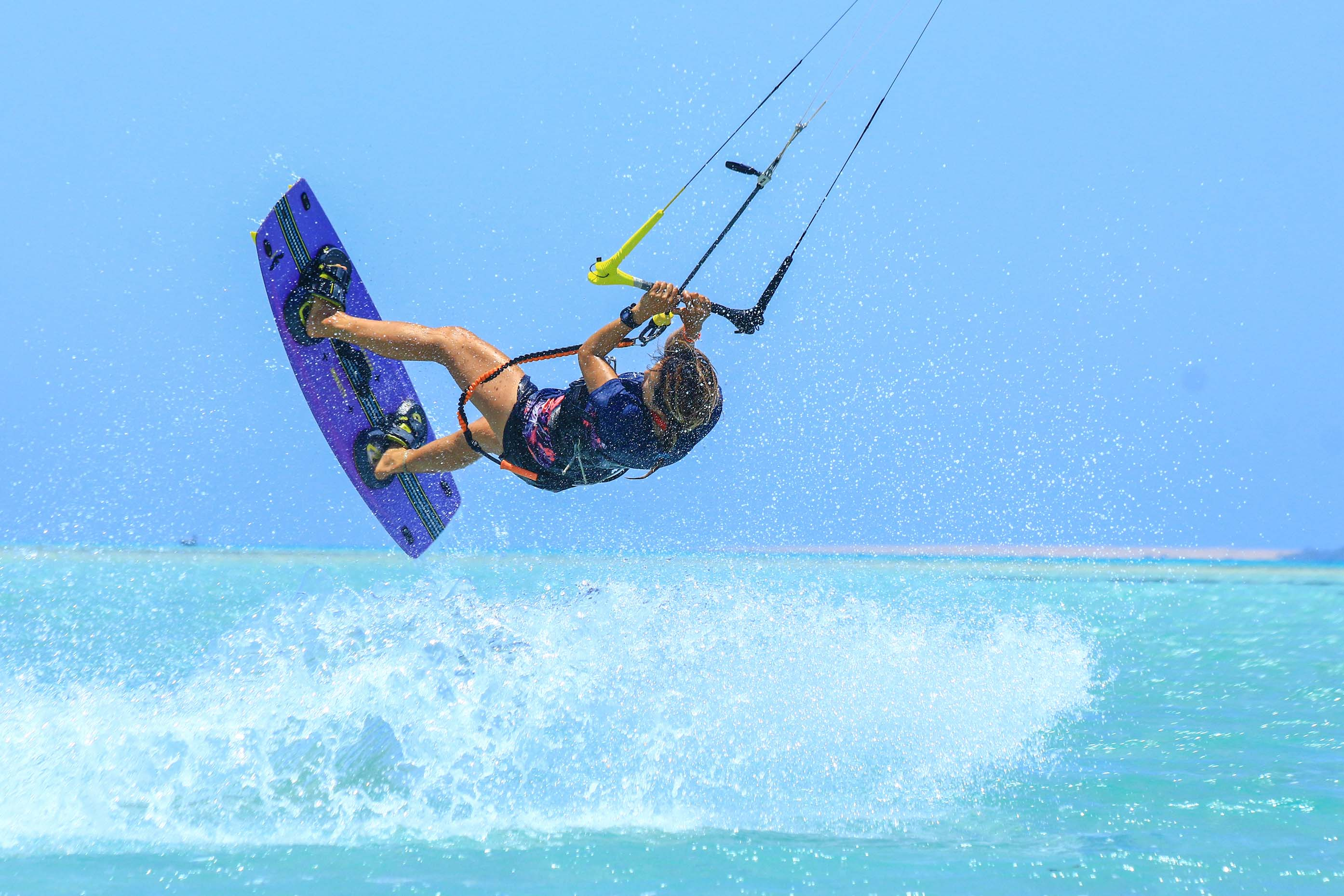 Julia Mac Kitesurfing